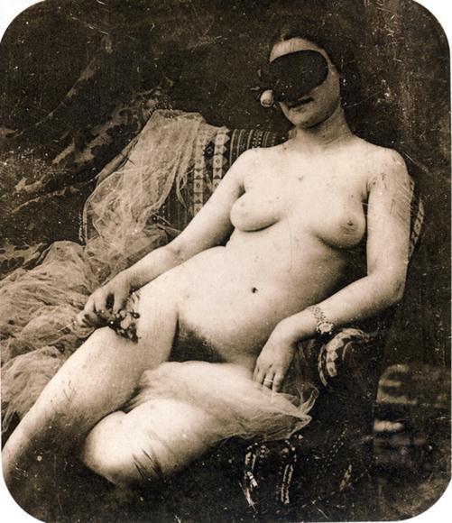 первый в мире эротика в цветном фото