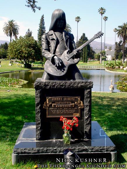6 años sin Johnny Ramone